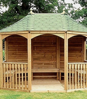 Как построить деревянную дачную беседку 4 на 4 своими руками?