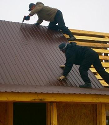 Обзор материалов для крыши беседки и правила монтажа