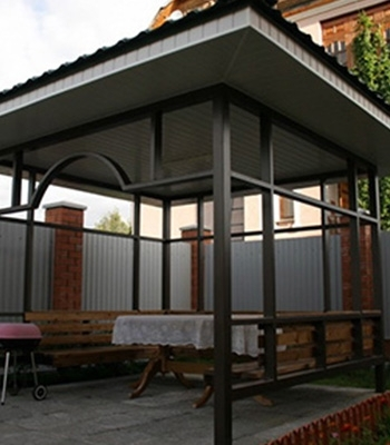 Обзор строительных материалов для беседки на даче